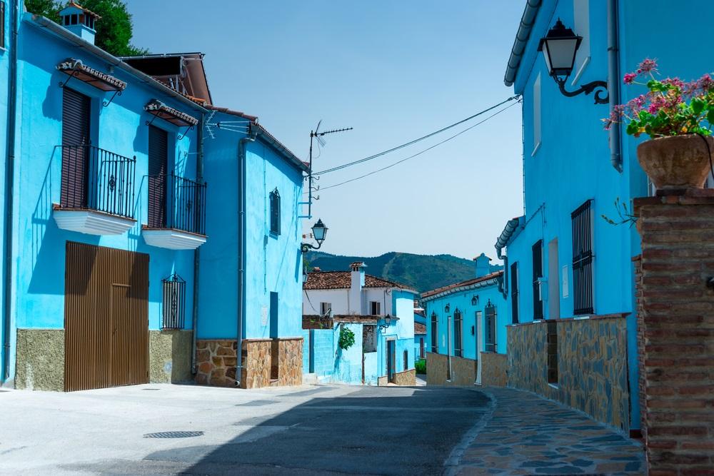 Juzcar het Smurfendorp, beroemd dorp van Andalusië voor het filmen van de film: De Smurfen.