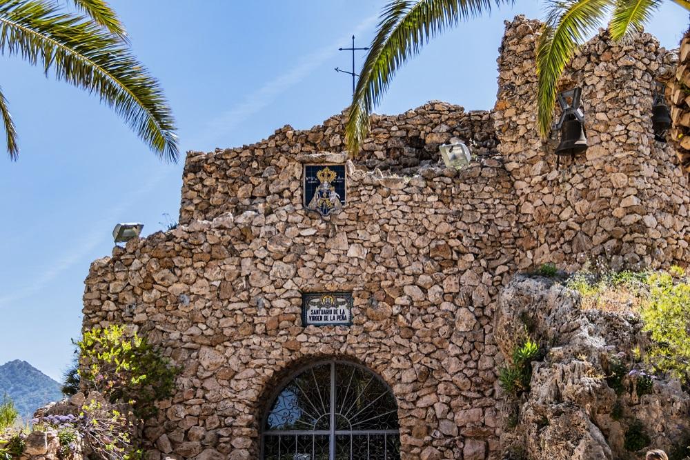 Kapel van de Maagd van de Rots (La Ermita de la Virgen de la Pena de Mijas). Mijas, Andalusië, Spanje.Kapel