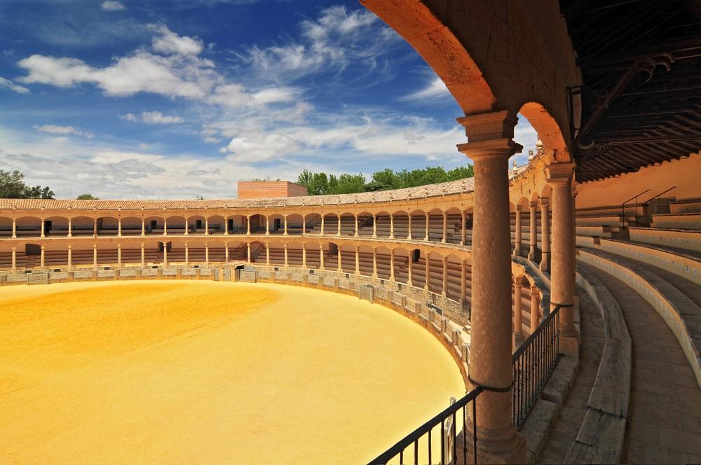 Plaza de Toros (arena) in Ronda, geopend in 1785, een van de oudste en beroemdste arena voor stierengevechten in Spanje. Andalusië.