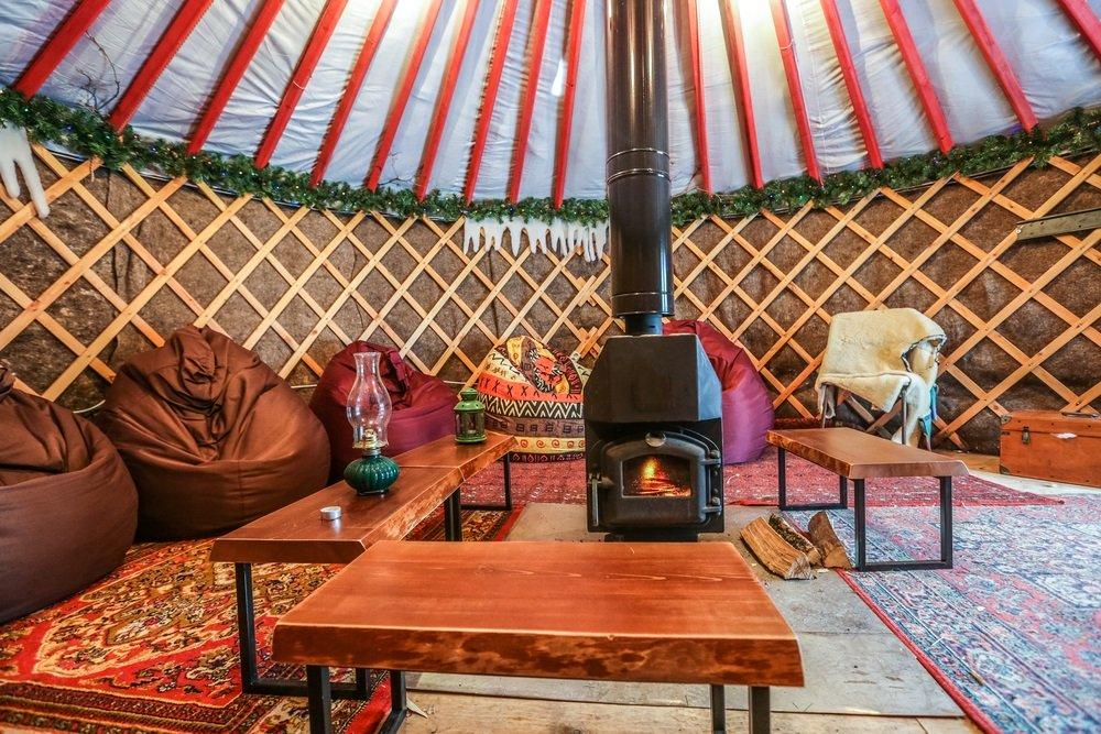 Finca Azahar, logeren in een yurt in Malaga. Bijzondere accommodaties in Andalusië, Spanje.