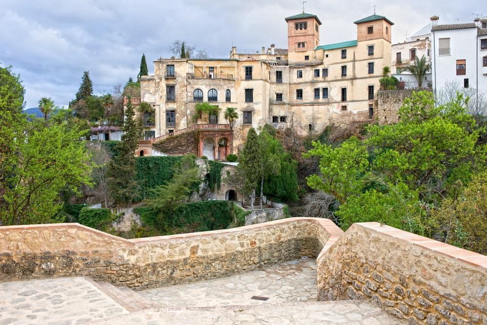 Historische architectuur van het 18e-eeuwse huis van de Moorse koning (Spaans: La Casa del Rey Moro) in de stad Ronda, Andalusië, Spanje.