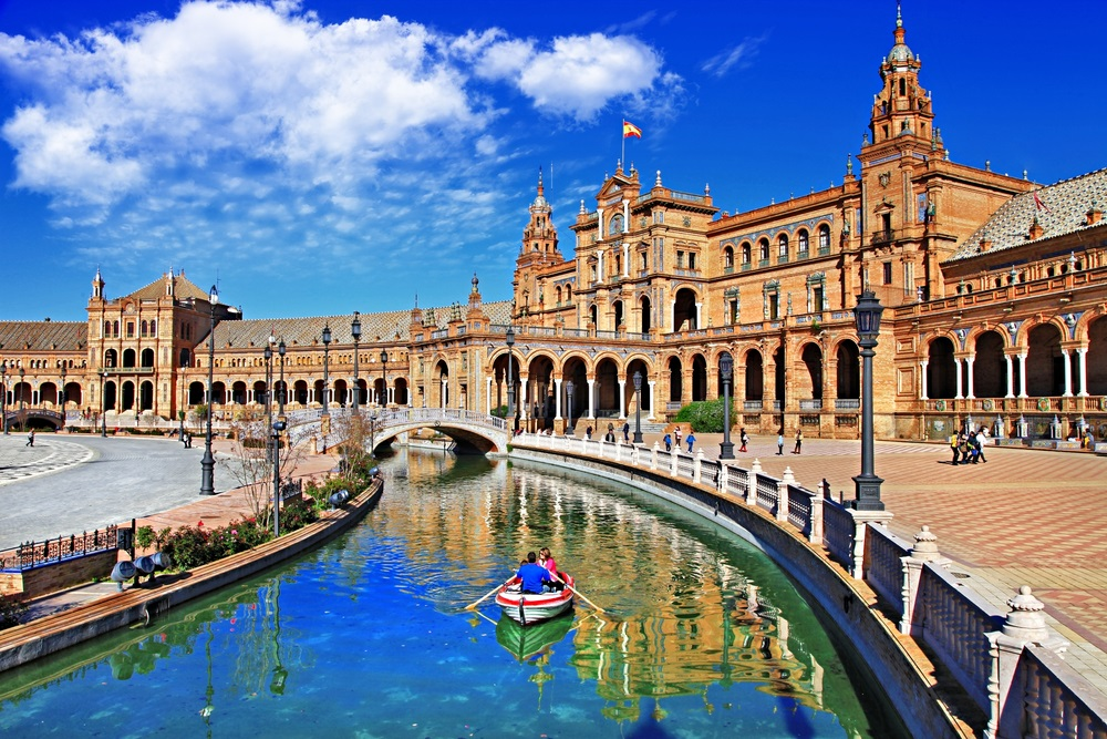 Het prachtige Plaza de España in de wijk Sur, Sevilla, Spanje.