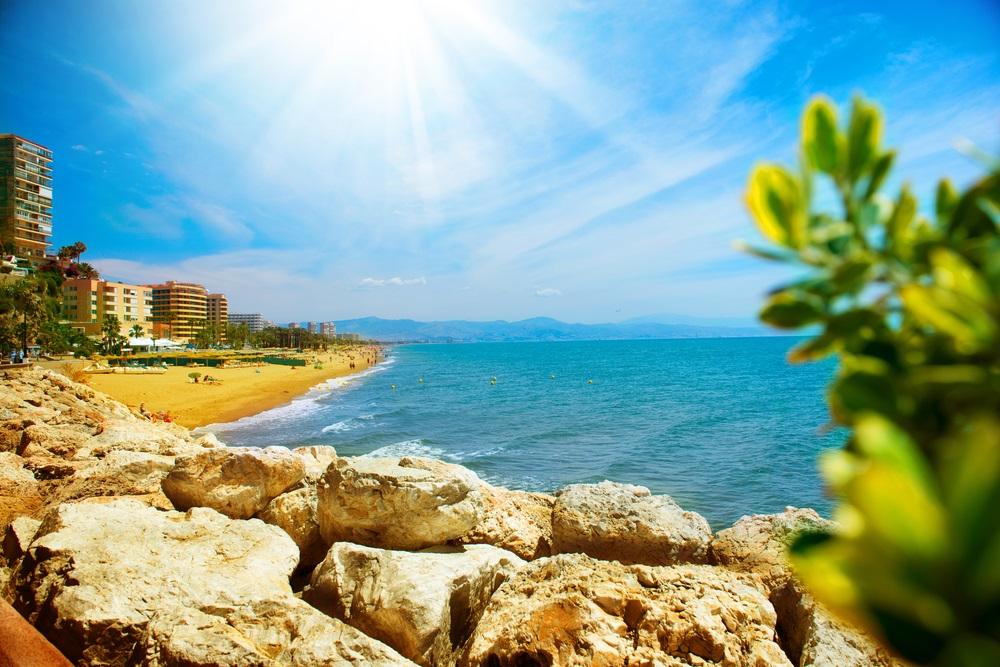 Torremolinos Kustzicht. Spanje, Costa de Sol, Andalusië.