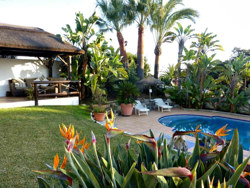 Villa Breeze Luxery B&B, Marbella. Bed and breakfast in Andalusië, Spanje.