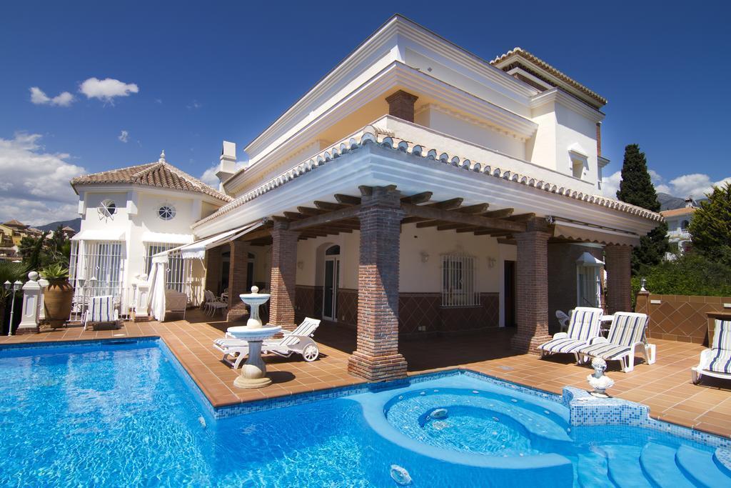 B&B Villa Pergola, Nerja. Bed & breakfast in Andalusië, Spanje.