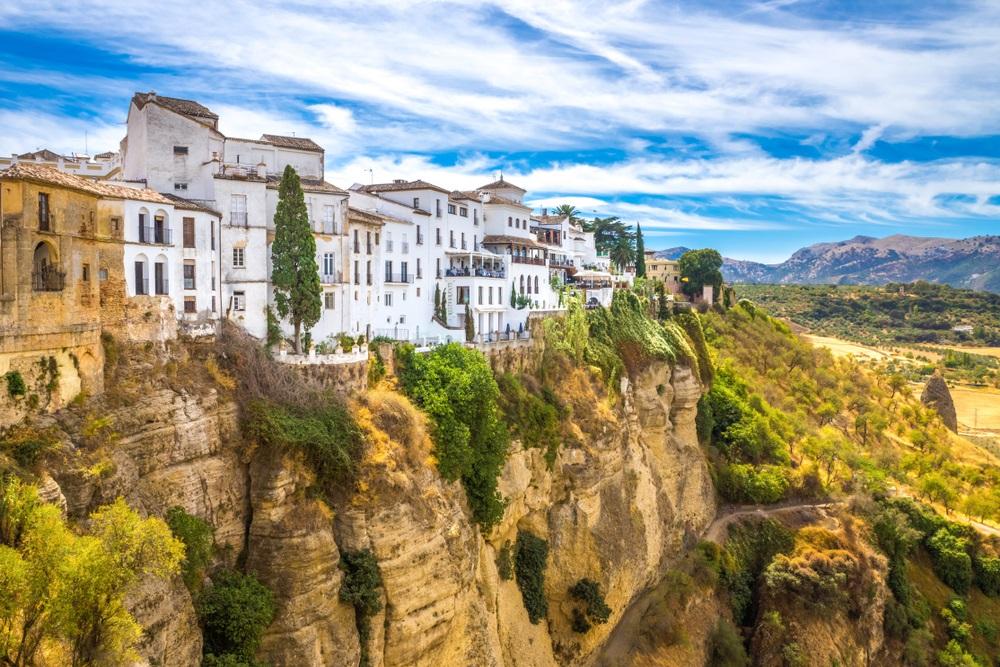 De oude stad Ronda met zijn spectaculaire kliffen. Excursies in Andalusië, Spanje.