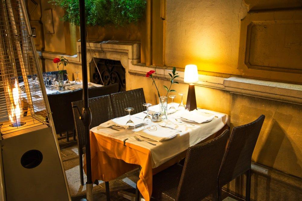 Knus restaurant in het centrum van Alhaurin de de Torre, Andalusië, Spanje.